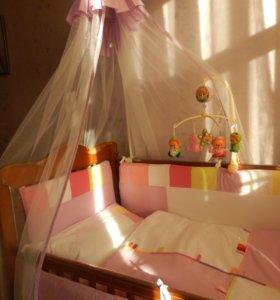 Кровать и комод с пеленальным столиком