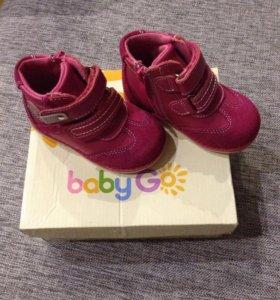 Новые ботинки детские.