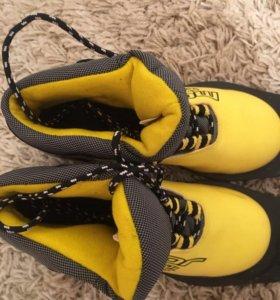 Лыжные ботинки , размер 33 .