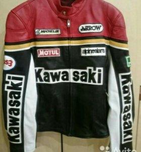 Кожанная куртка kawasaki