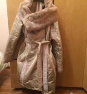 Пальто с мехом, утеплённое