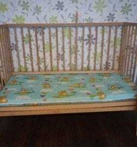 Кроватка с матрасиком.