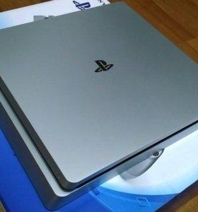 Sony PlayStation 4 slim 500Gb Silver edition