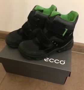 Детские ботинки Ecco ( новые)