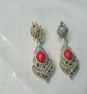 Серьги серебро с красным кораллом, марказитами