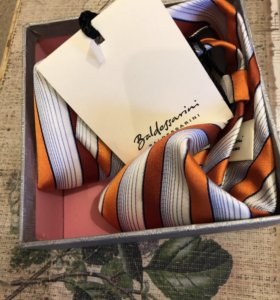 Мужской галстук новый Baldessarini