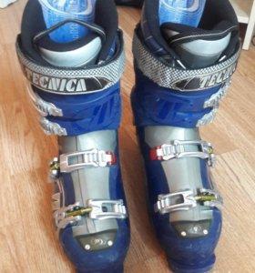 Горнолыжные ботинки Tehnica Vento 9