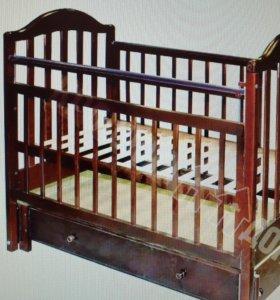 Детская кроватка маятник с матрацем