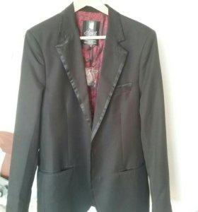 Новый! Фирменный пиджак! Куплен за границей