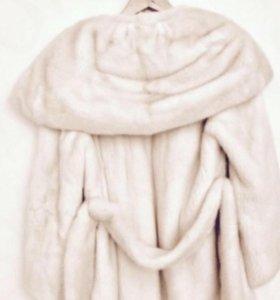 Белая Шуба  норка новая
