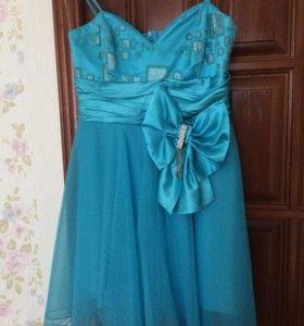 Новое платье, надевалось один раз.
