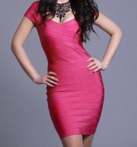 Фирменное, платье-утяжка, 42-44 размер
