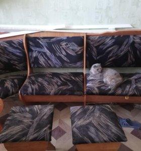 Кухонный уголок с ящиками, 2 табуретами