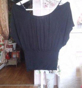 Блузы и маленькая безрукавка