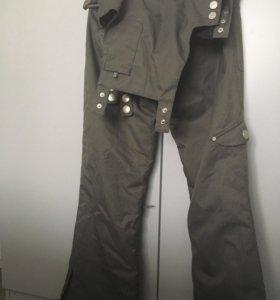 Горнолыжные штаны на лямках Roxy