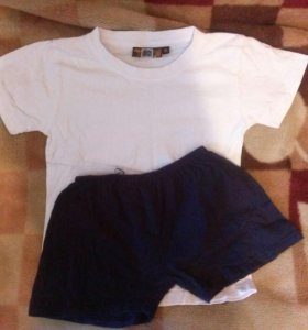 Спортивная форма (футболка+шорты)