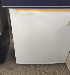Мини холодильник Daewoo FR-051A