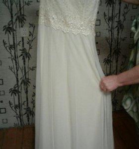 Платье свадебное (размер 46-48)