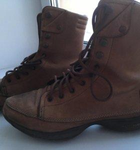 Ботинки Reebok Easytone 38,5