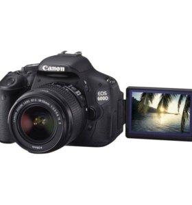 Продаю зеркалку Canon 600D