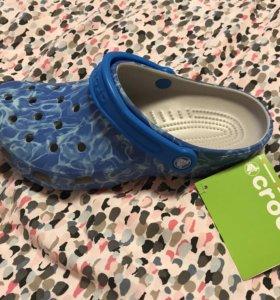 Crocs голубые новые