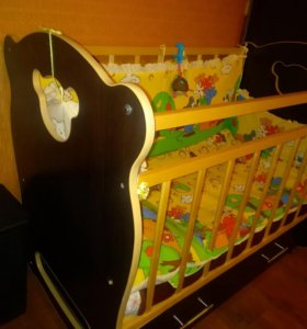 Детская кроватка(отличное состояние)