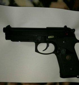 Страйкбольный Пистолет WE Beretta M92 CO2
