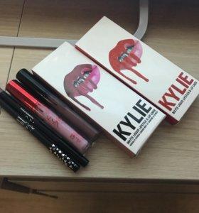 Матовая помада Kylie