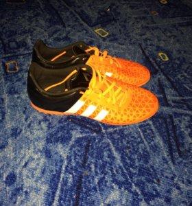 Футбольные кроссовки adidas 15.3