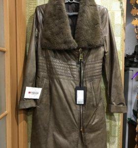 Пальто, кожаное, новое, XL