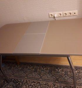 Стол кухонный. Раздвижной. Стеклянная столешница