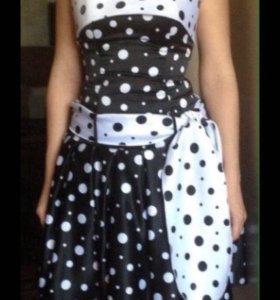 Стиляжное платье