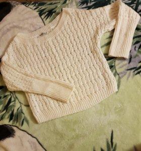 Белый свитер. Размер s