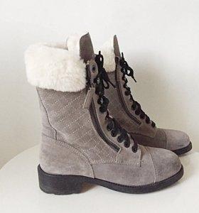 Ботинки меховые Chanel