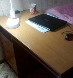 Писменный стол с ящиками