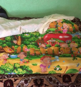 Матрас и одеяло в детскую кроватку