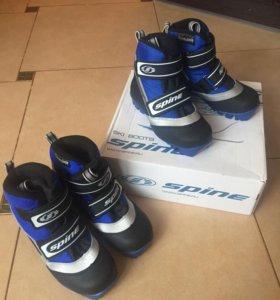 Лыжные ботинки на липучке