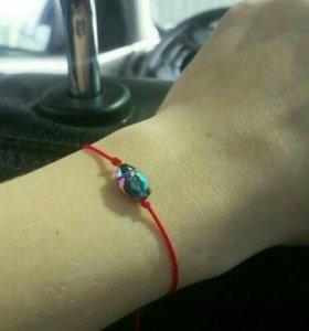 Красная нить с кристаллом от Swarovski, браслет