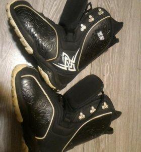 Ботинки для сноуборда Black Fire 37р.