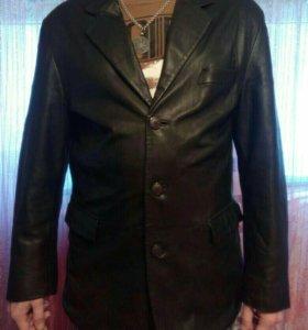 Куртка кожаная 52 размер