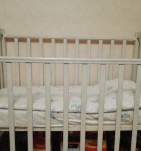 Детская кроватка, велосипед,стульчик для кормления