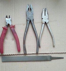 Инструменты. Ключи, отвёртки, плоскогубцы