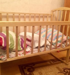 Кроватка детская б/у в хорошем состоянии.
