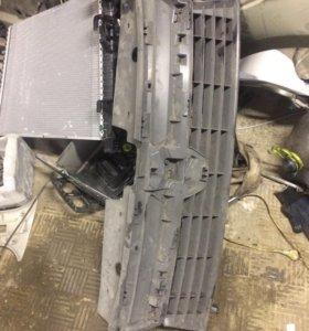 Решетка радиатора нижняя для Рено Дастер