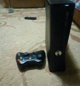 Xbox 360 + кинект + 1 джойстик+ игра adventures