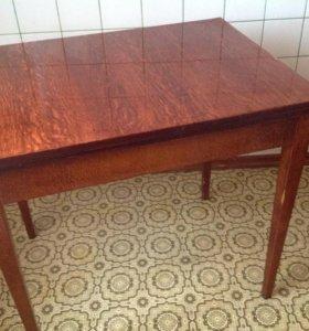 Стол обеденный, раскладывающийся, полированный