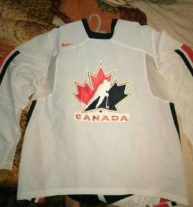 Продам хоккейную майку сборной Канады