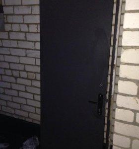 Дверь входная металлическая с 2 замками