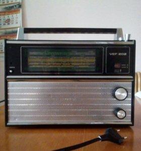 """Радиоприемник """"Вэф-12"""" в корпусе от """"Вэф-202"""""""