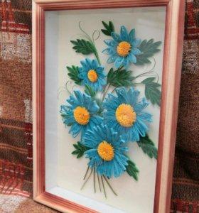 Голубые цветы в технике квиллинг